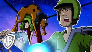 Scooby-Doo! Latino America | Chase de la motocicleta de Shaggy | WB Kids