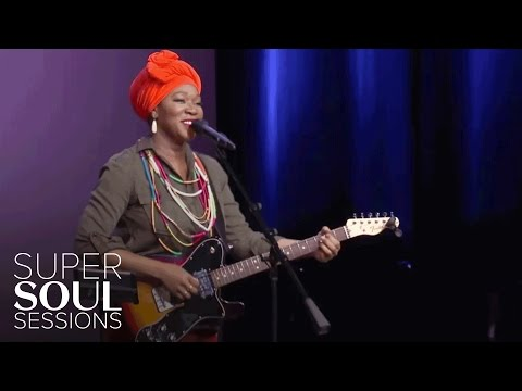 "India Sings ""I Am Light"" 