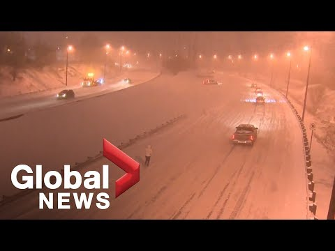 Massive snowstorm causes commuter chaos in Toronto