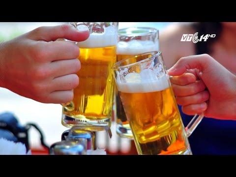 (VTC14)_Bộ Y tế đề xuất cấm bán rượu bia trong quán karaoke