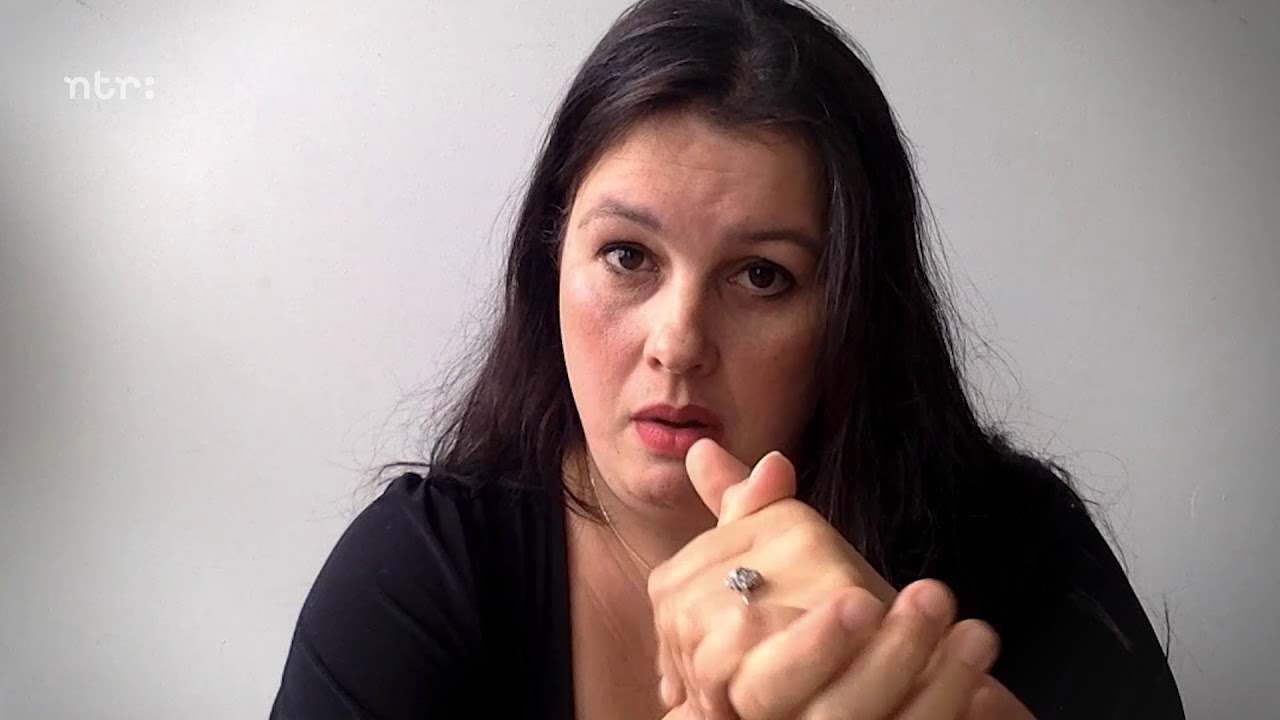 Annabel Nanninga naar de stembus - YouTube