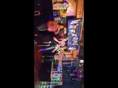Aspen on karaoke