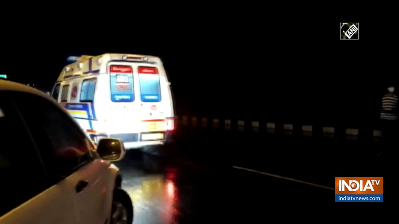 5 dead after 2 cars collide on NH-8 in Gujarat`s Nadiad