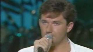 Watch Daniel Odonnell Medals For Mothers video