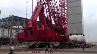 Video still for Manitowoc 31000 pick and carry