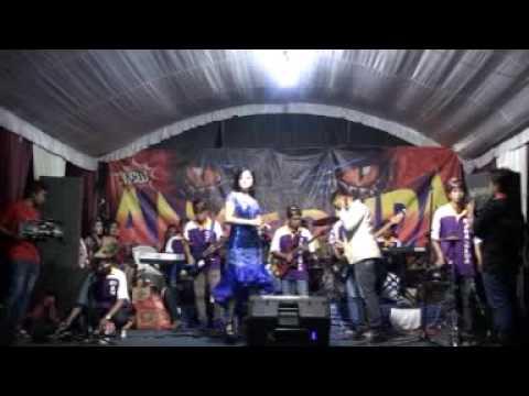 Kasih tak sampai-brodin ft putri-new ANACONDA live gudo jombang