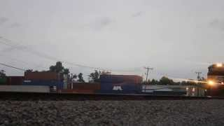 Norfolk Southern Westbound Intermodal at Yadkin Rd. (With Horn Show!)