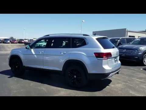 2019 VW Atlas 3.6 SEL Premium 4Motion w/ captain's chairs