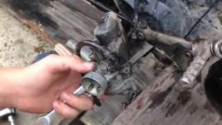 Чистка карбюратора на мопеде Honda Tact af-30 2000год