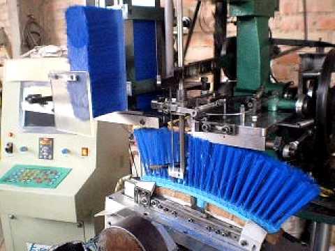 Maquina Insertadora de escobas  broom machine  YouTube