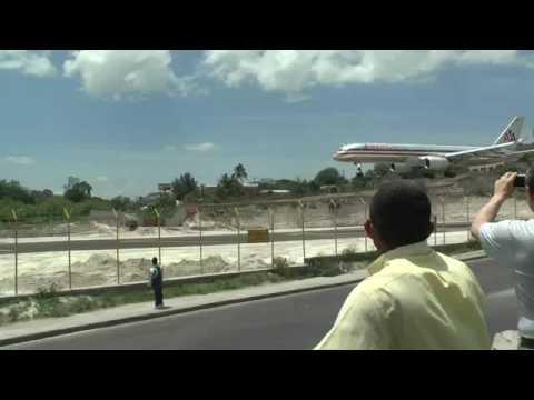 landing at Tegucigalpa, Honduras Toncontin airport May, 2009