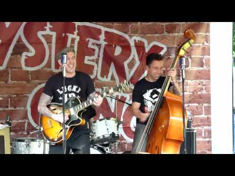 Mystery Gang – Betty Page – 2éme  Rock'n'Roll Afternoon – 06 Juin 2010 –