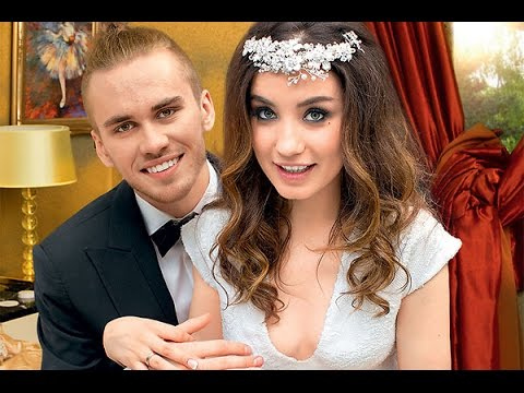 Дэвид и Виктория Бекхэм - фото в детстве и сейчас  #звездныепары #Бекхэм