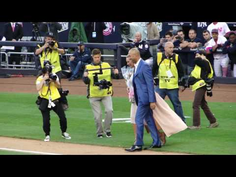 Derek Jeter Introduced at his Retirement Night Ceremony Live