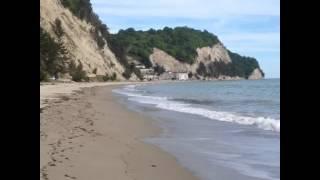 видео Где в Абхазии песчаные пляжи?