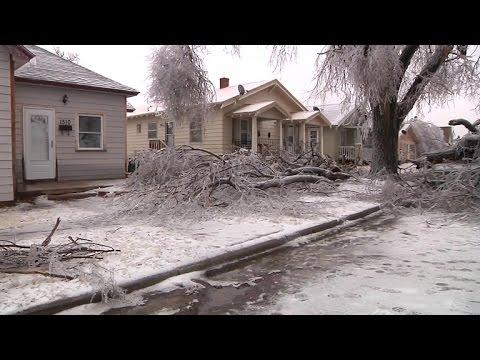 Winter storm cripples central U.S.