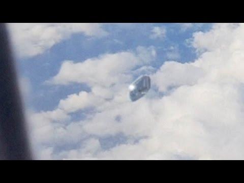 VIDEO: Un pasajero de un avión asegura haber filmado un ovni en España