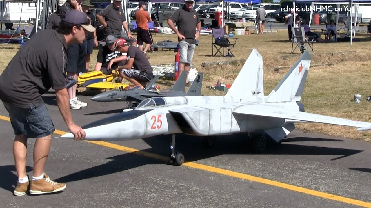 Worlds Largest RC Scale Mig 25 Twin Jet Turbine at Tokoroa ...