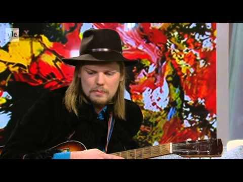 Jukka Nousiainen Ylen Aamu-TV:ssä 8.1.2015 - YouTube