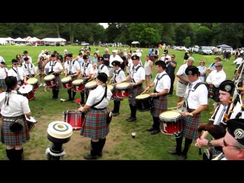 New York Metro Pipe Band playing in the beer tent, Round Hill, 2011.