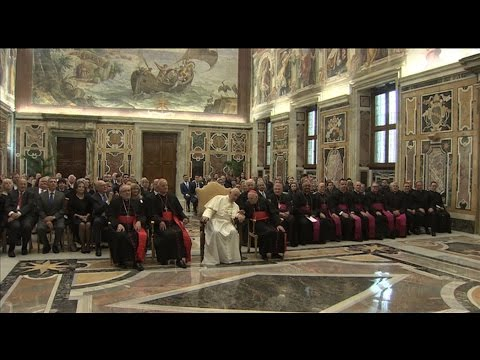 """Pope Francis meets donors from US: """"Pray for the needs of the poor"""""""
