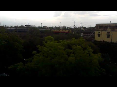 Nagpur Pune Superfast Express Begins Journey Under Overcast Weather!