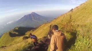 Video Pendakian Gunung Merbabu 3142 mdpl Via Selo 2016 download MP3, 3GP, MP4, WEBM, AVI, FLV Desember 2017