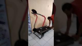 Відео menggunakan Кара механічна бігова доріжка 1 fungsi/085219231531