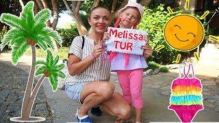 Melissa si Agentia ei de TURISM!🌴Melly Pretend to Play in Tourist Guide