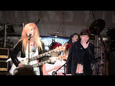 Lita Ford and Eric Martin - Close My Eyes Forever