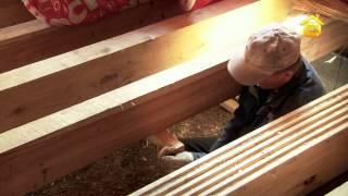 видео Черновой пол в деревянном доме своими руками на лагах и балках