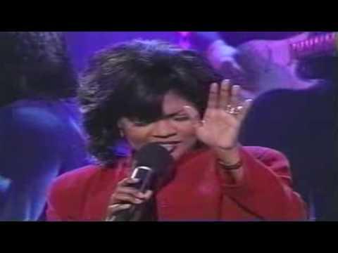 """Kirk Franklin feat. CeCe Winans--""""Love""""--(Live)"""