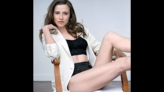 Repeat youtube video 10 Sexy Linda Cardellini Hd Photos in Under 60 Seconds