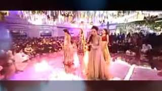 Show dance with 4 girls