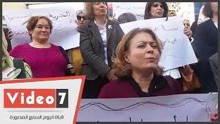 بالفيديو..ترديد الأغانى الوطنية والنشيد الفلسطينى على سلالم