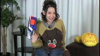 南條愛乃さん、大きな銃を持て余して危うく放送事故 南條愛乃 検索動画 38