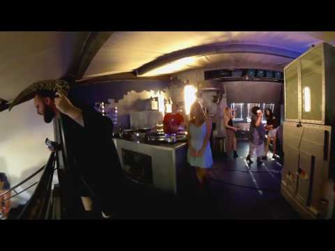 woodrowgerber - Lost Girls - 360 Music Video