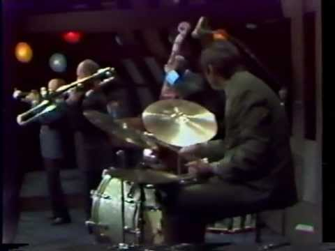 Just Jazz - Bobby Hackett Quartet w/ Vic Dickenson - Swing That Music.mpg