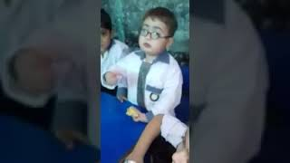 Pathan ka bacha || oyee yeh mera bag hai || Funny Viral video