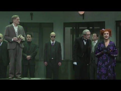 """Schauspielhaus Zürich: """"Der Besuch der alten Dame"""" von Friedrich Dürrenmatt (Regie Viktor Bodó)"""