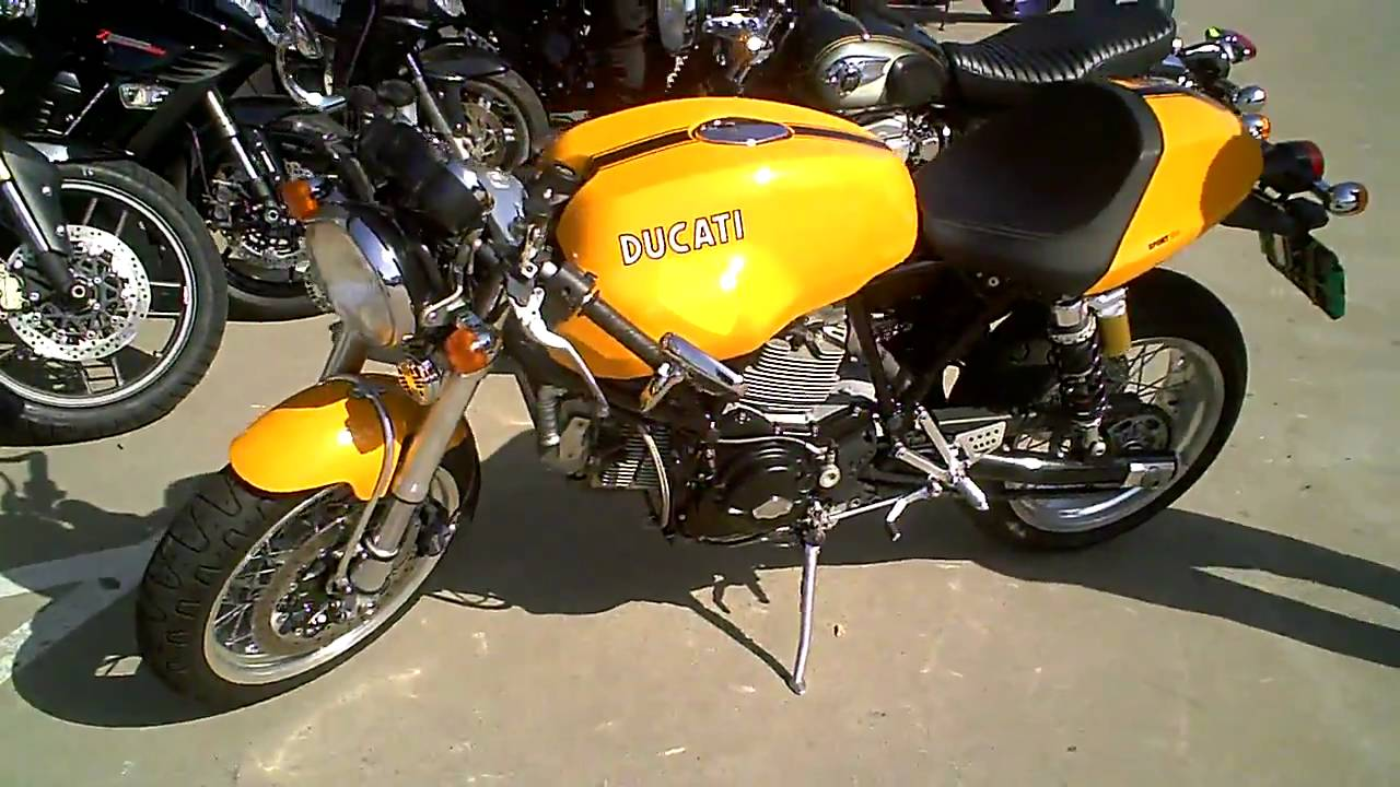 Kawasaki W800 Ducati 1000 Sport Retro Bikes Youtube