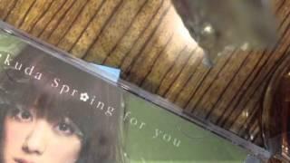 シングル「Spr*ing for you」に収録されています。