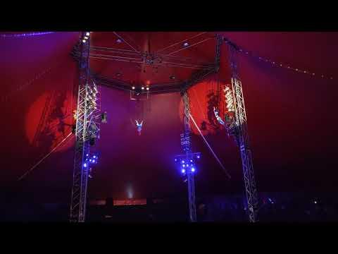 21. Festiwal Sztuki Cyrkowej - skoki na bungee