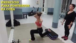 Coxa puxando na um músculo