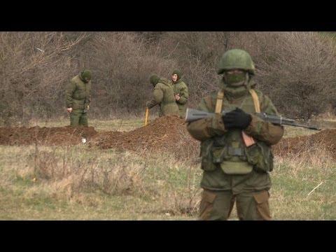Les Russes s'installent sur la base militaire de Perevalne