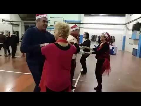 Bachata di Natale in cerchio