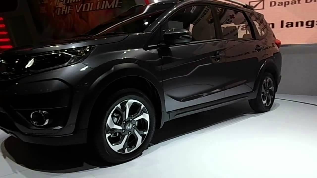 Honda BR-V Dikerubuti Pengunjung GIIAS