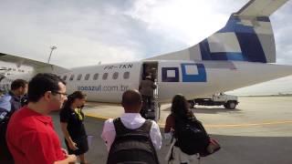Entrando no ATR 72-500 da TRIP/AZUL no Rio de Janeiro