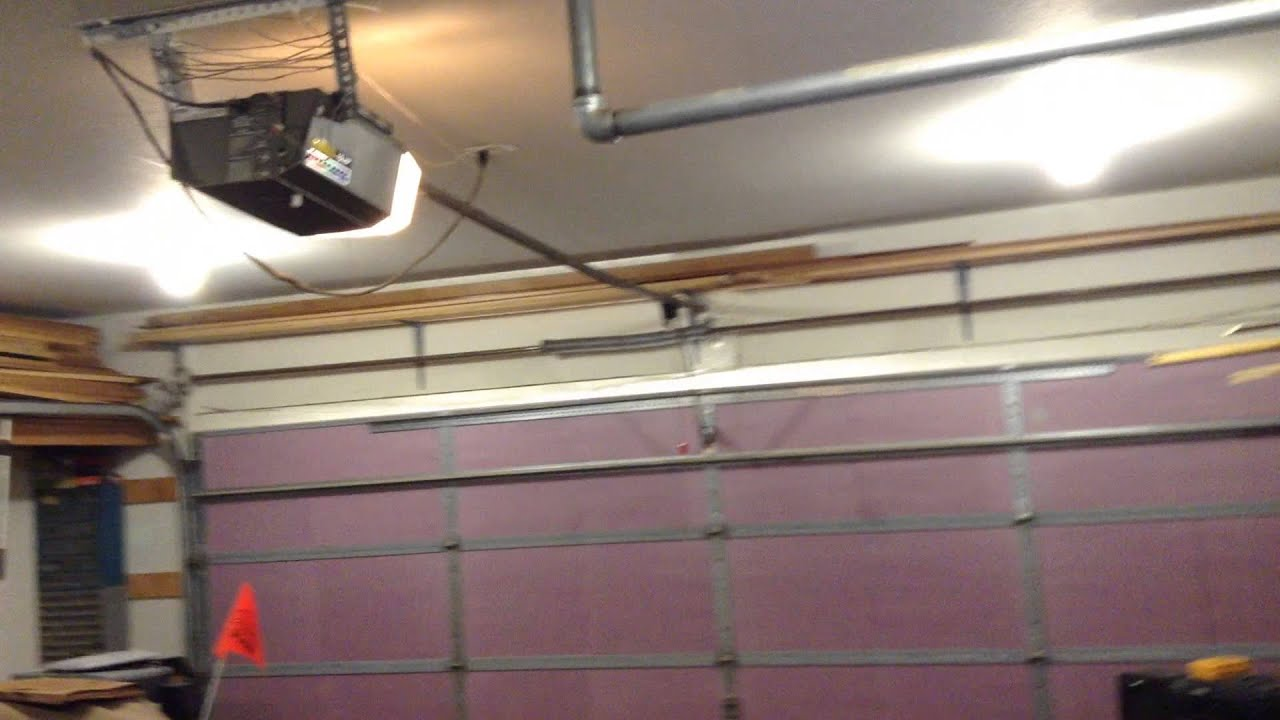 Stanley Model 700 1 2 Chain Drive Garage Door Opener Youtube