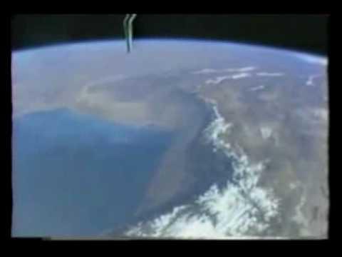 1990: STS-36 Atlantis (DOD)